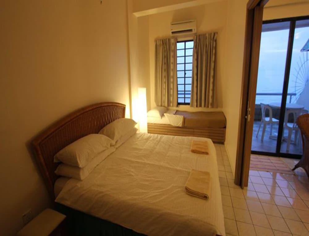 Paradise lagoon apartment reviews photos rates for Apartment reviews