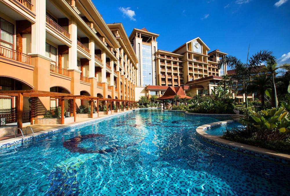 Book landmark mekong riverside hotel vientiane hotel deals for Laos hotels 5 star