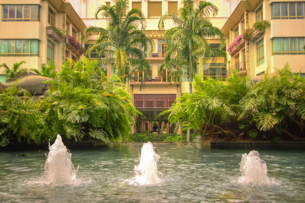 Fountain, Treetops Executive Residences