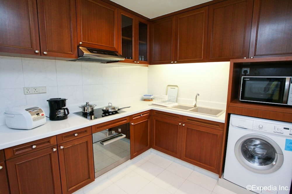 Private Kitchenette, Treetops Executive Residences