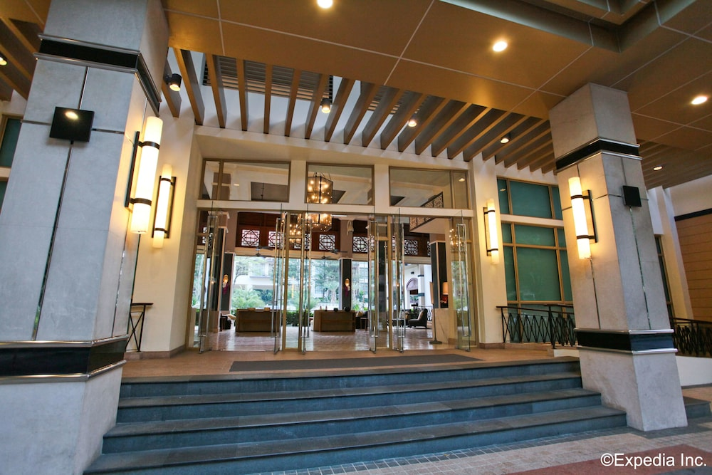 Interior Entrance, Treetops Executive Residences