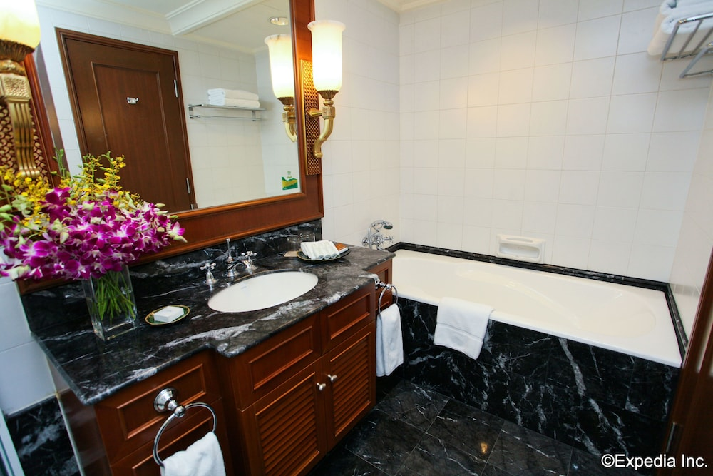 Bathroom Sink, Treetops Executive Residences
