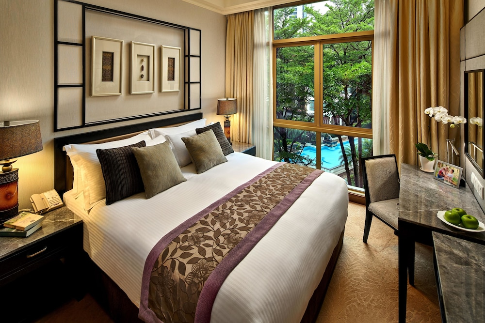 Room, Treetops Executive Residences