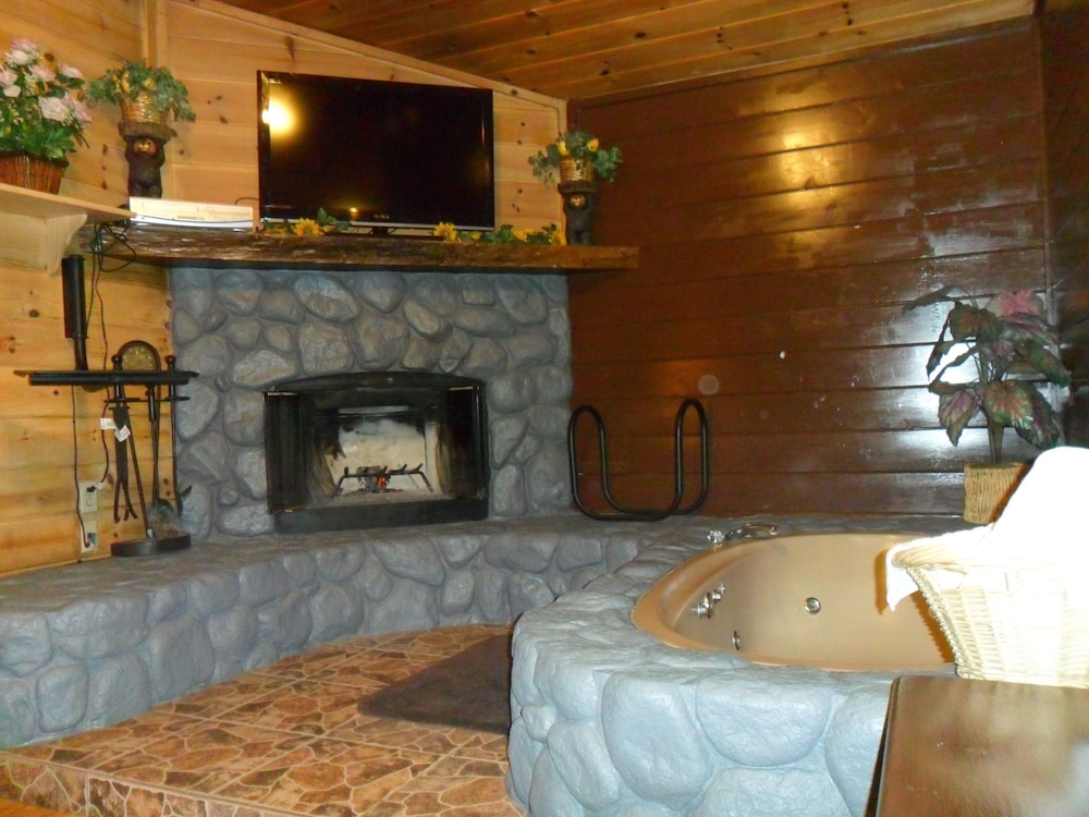 Book Big Bear Manor Spa Cabins Big Bear Lake Hotel Deals