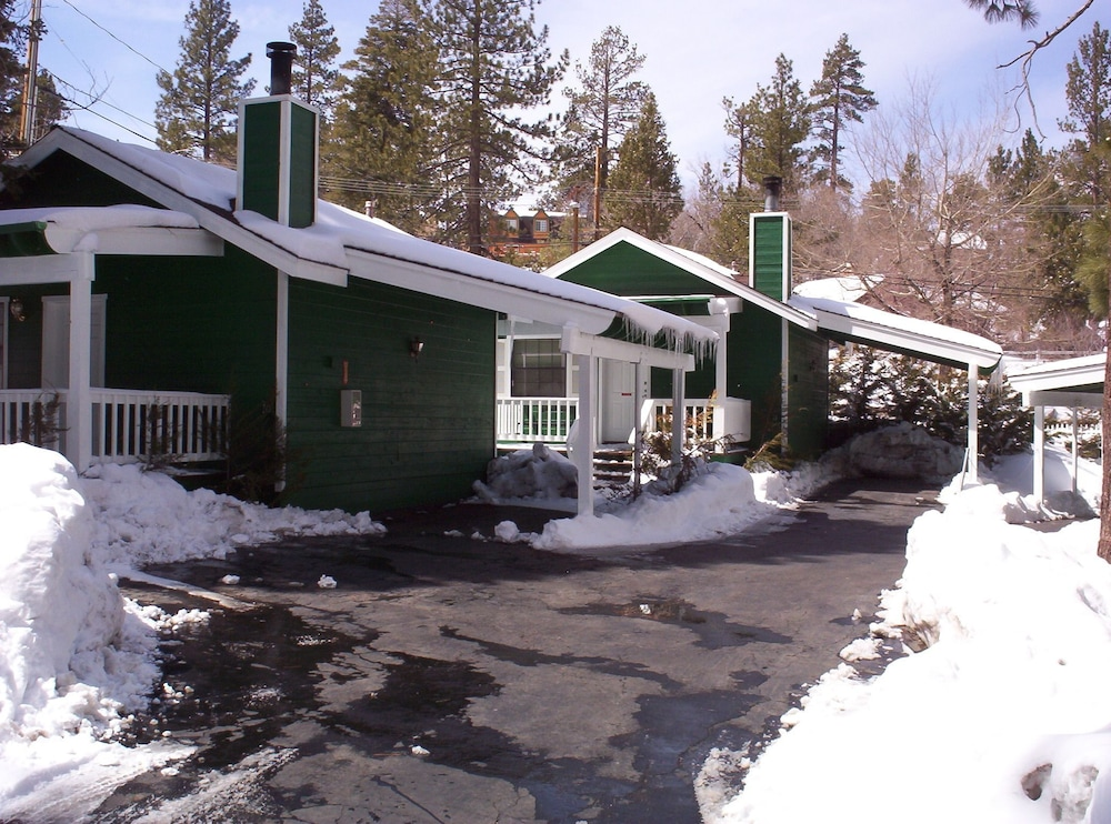 Big Bear Manor Spa Cabins In Big Bear Lake Hotel Rates