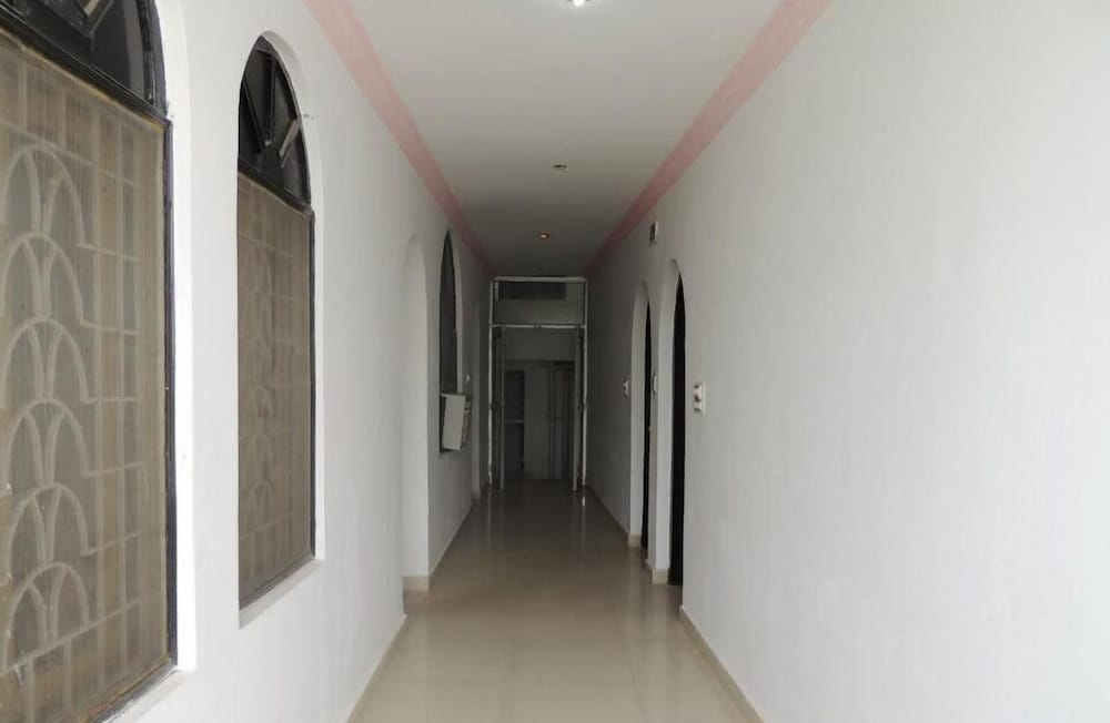 Hallway, Hotel Buddha International