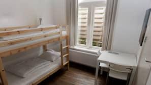 Frigobar, berços grátis, camas extras/dobráveis (sobretaxa)