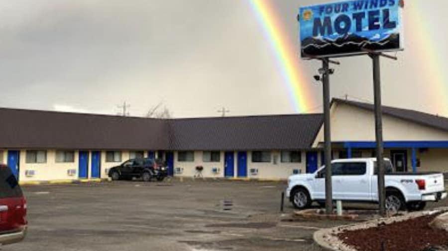 Four Winds Motel & RV Park