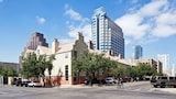 Penthouses at The Railyards - Austin Hotels