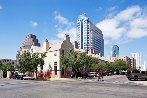 Great Place to stay Residences at The Railyards - Downtown Austin near Austin