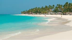 Beach nearby, white sand, beach volleyball