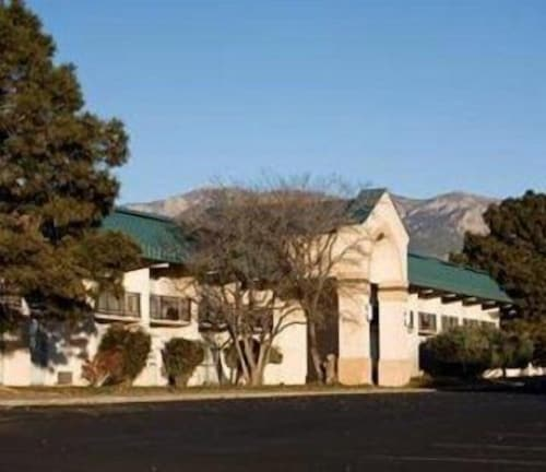 Great Place to stay Sandia Courtyard Hotel & Conference Center near Albuquerque - Nm
