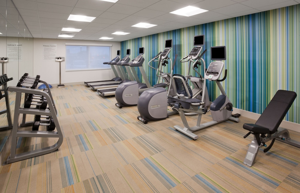 Fitness Facility, Holiday Inn Express & Suites Des Moines Downtown, an IHG Hotel