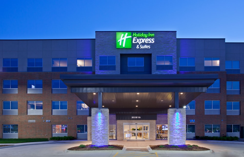 Exterior, Holiday Inn Express & Suites Des Moines Downtown, an IHG Hotel