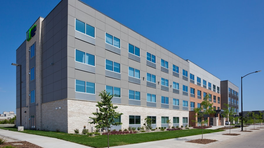 Holiday Inn Express & Suites Des Moines Downtown, an IHG Hotel