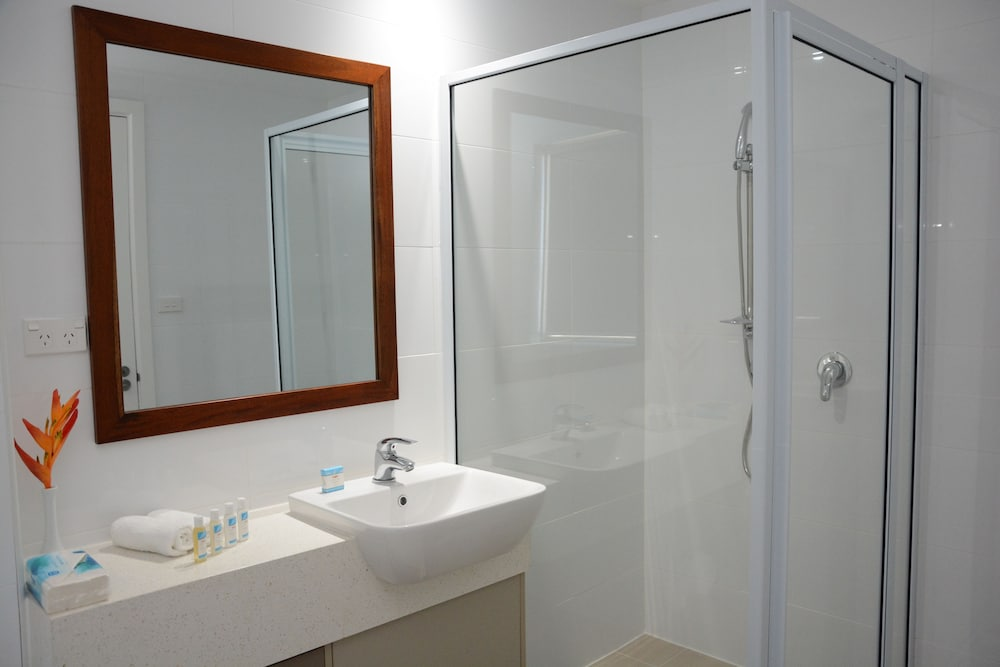 Bathroom, Ratsun Nadi Airport Apartment Hotel