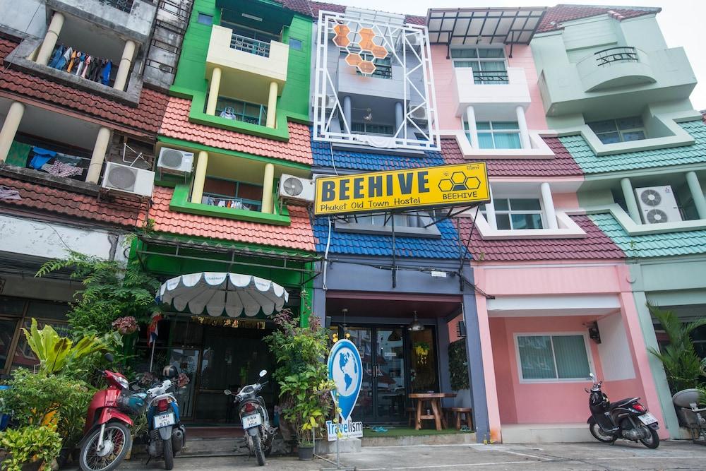 beehive phuket old town hostel phuket 2019 room prices. Black Bedroom Furniture Sets. Home Design Ideas