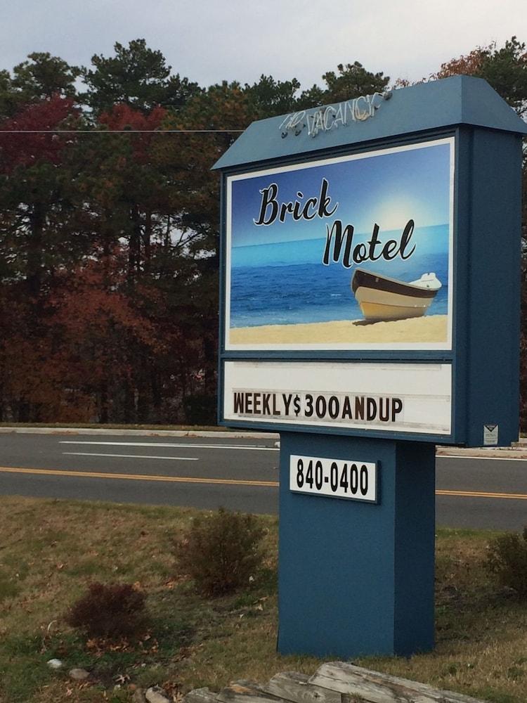 Book Brick Motor Inn Brick Hotel Deals