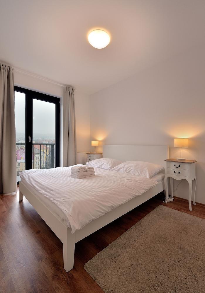 Charming cozy ambiente apartments deals reviews for Apartment suche