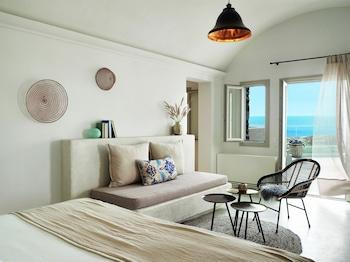 Oia, Santorini 847 00, Greece.