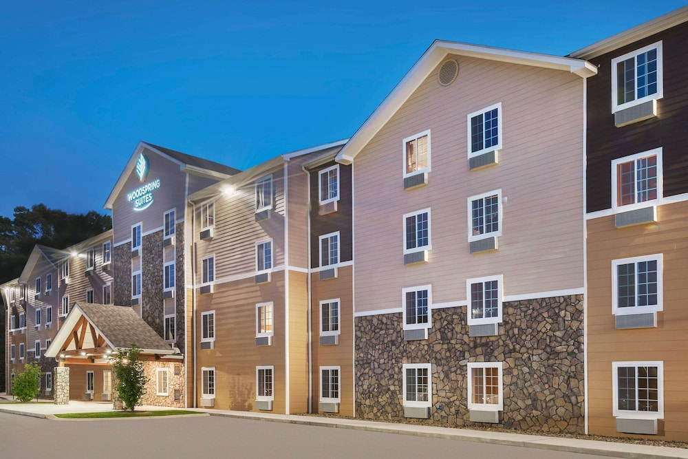 Exterior, WoodSpring Suites Chattanooga