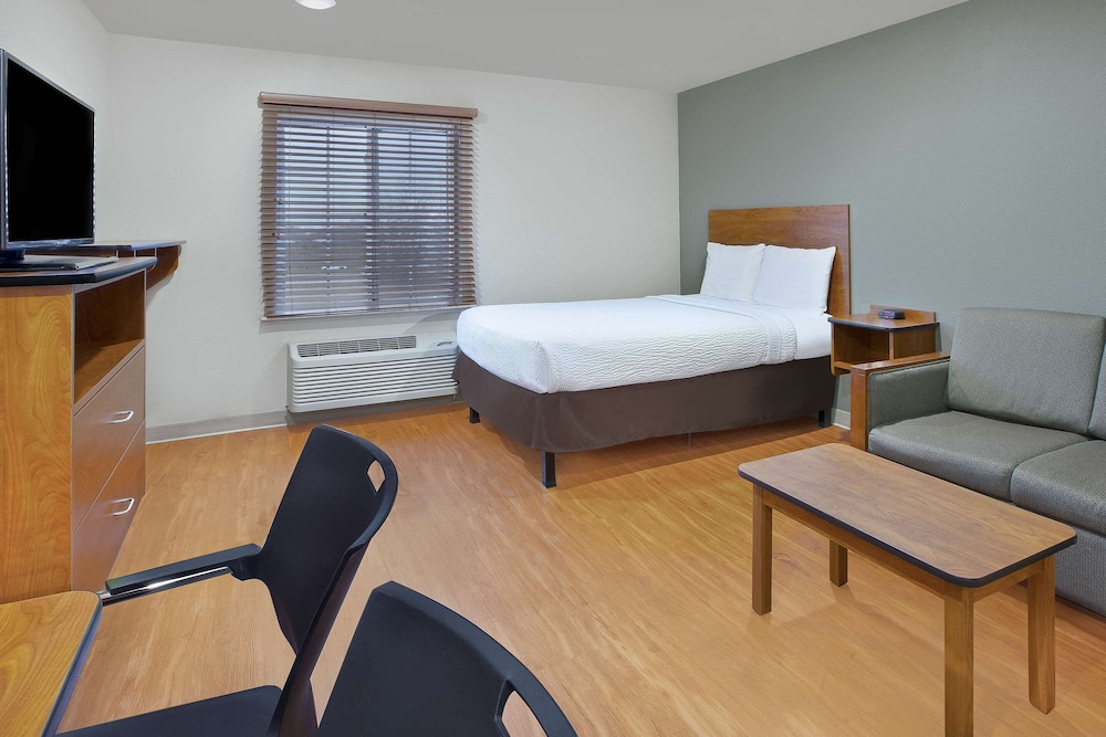 Room, WoodSpring Suites Chattanooga