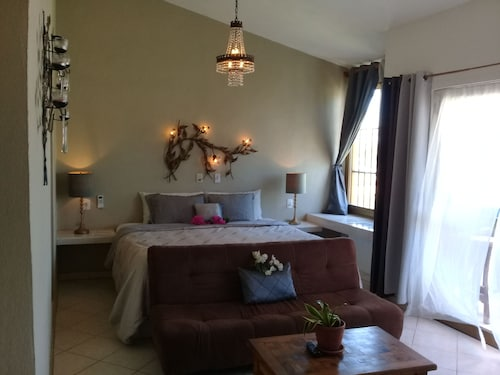 Casa Punta Perula Bed & Breakfast Hotel