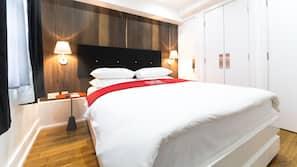Minibar, una cassaforte in camera, tende oscuranti, ferro/asse da stiro