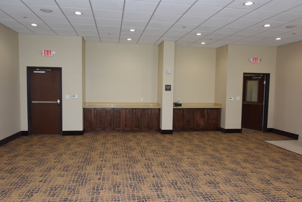 Meeting Facility, Home Away Suites