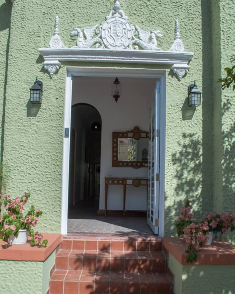 Property Entrance, Casa Isabel Bed & Breakfast