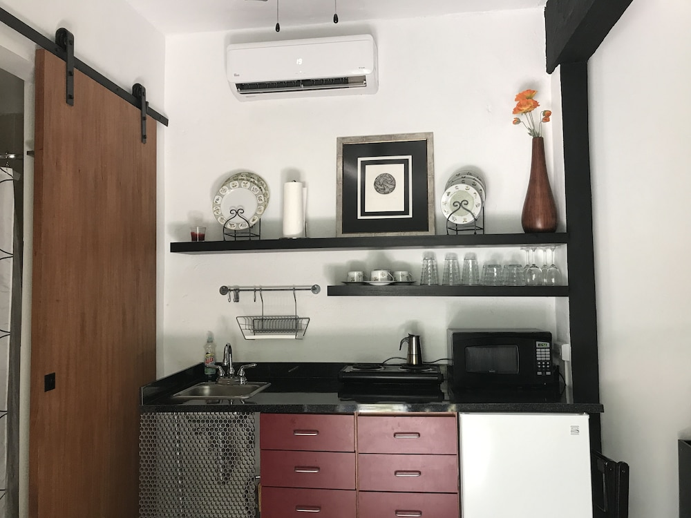 Private Kitchenette, Casa Isabel Bed & Breakfast