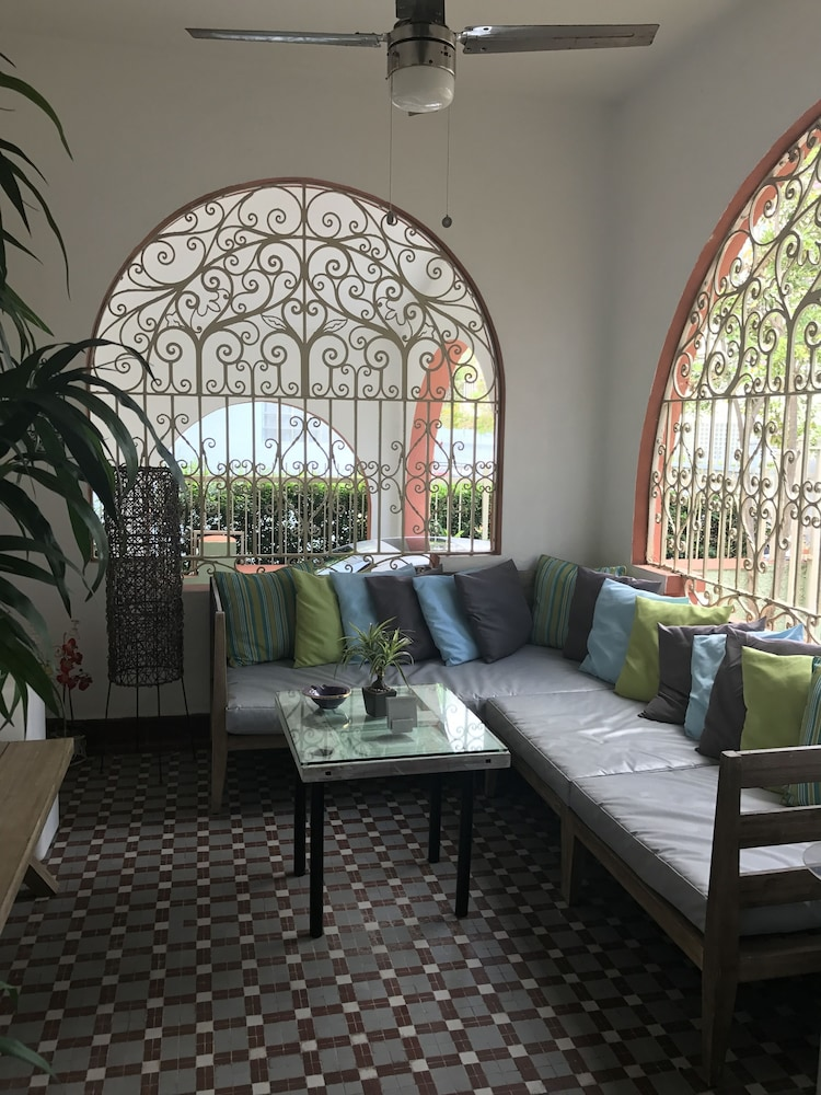 Lobby Sitting Area, Casa Isabel Bed & Breakfast