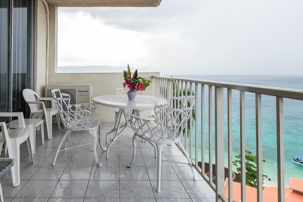 Balcony, CORAL REEF BEACH SUITE AT MONTEGO BAY CLUB RESORT