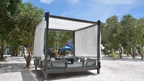 Beach nearby, sun loungers, beach umbrellas, beach towels