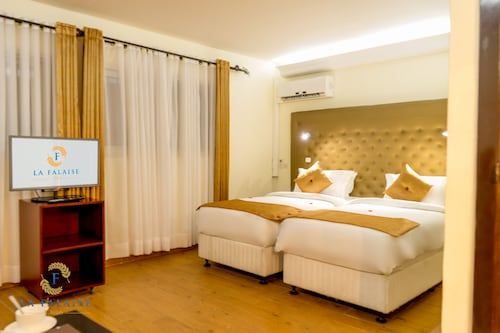 Hôtel Résidence La Falaise, Douala: Hotelbewertungen 2018 | Expedia.de