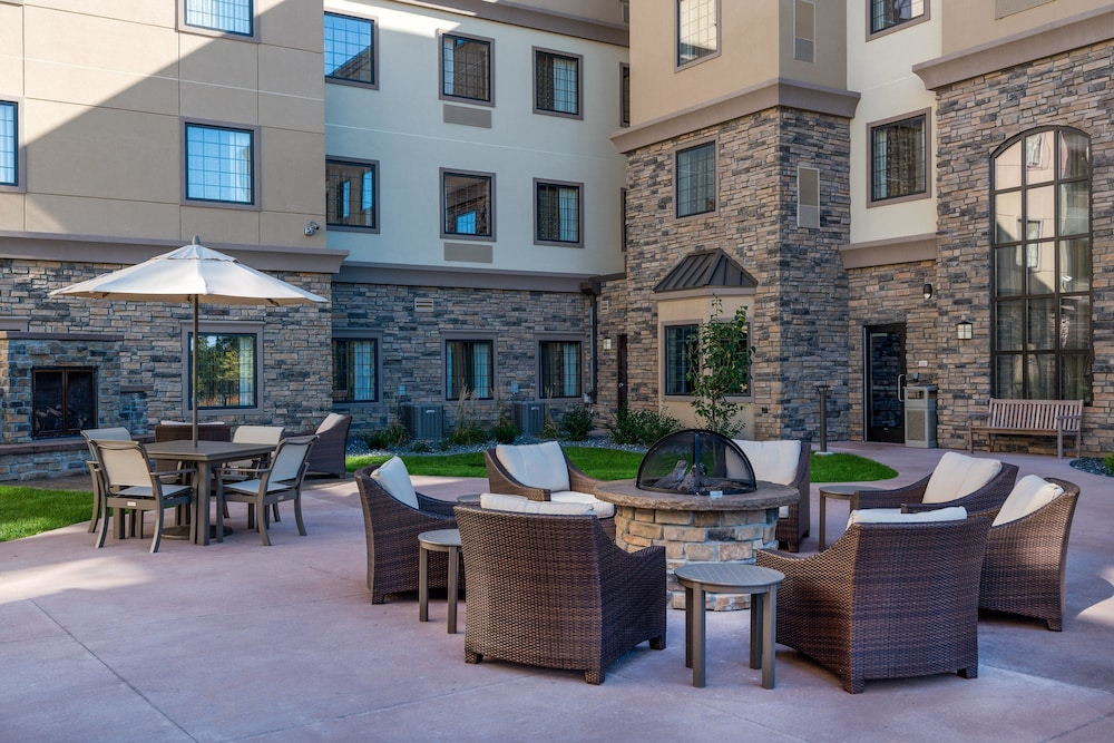 Balcony, Staybridge Suites Eau Claire - Altoona, an IHG Hotel