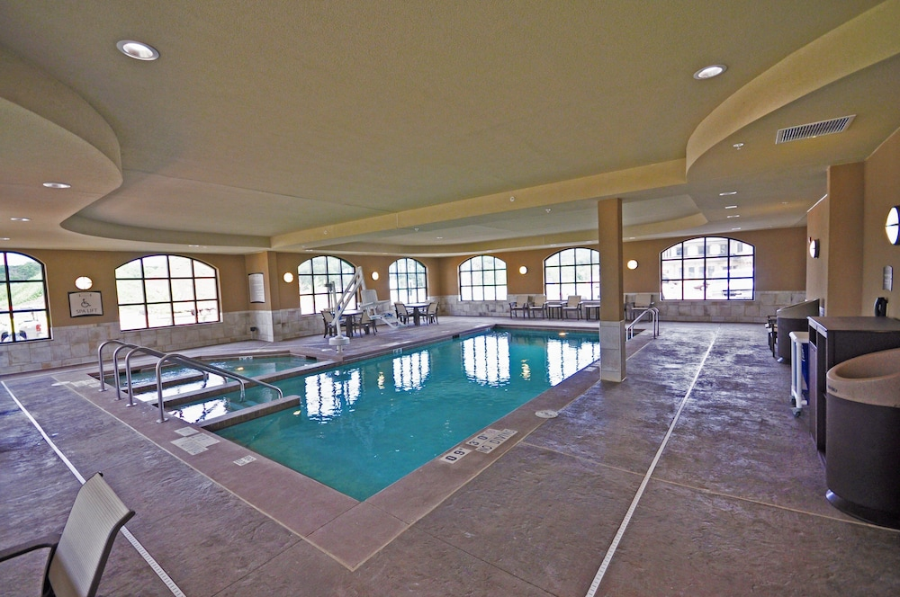 Pool, Staybridge Suites Eau Claire - Altoona, an IHG Hotel