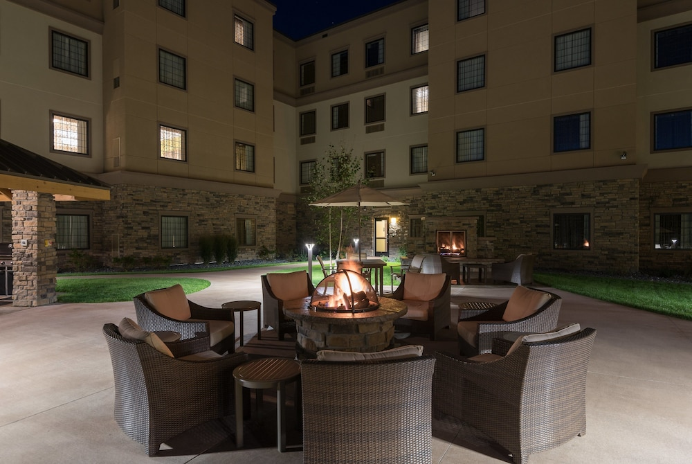 Exterior, Staybridge Suites Eau Claire - Altoona, an IHG Hotel