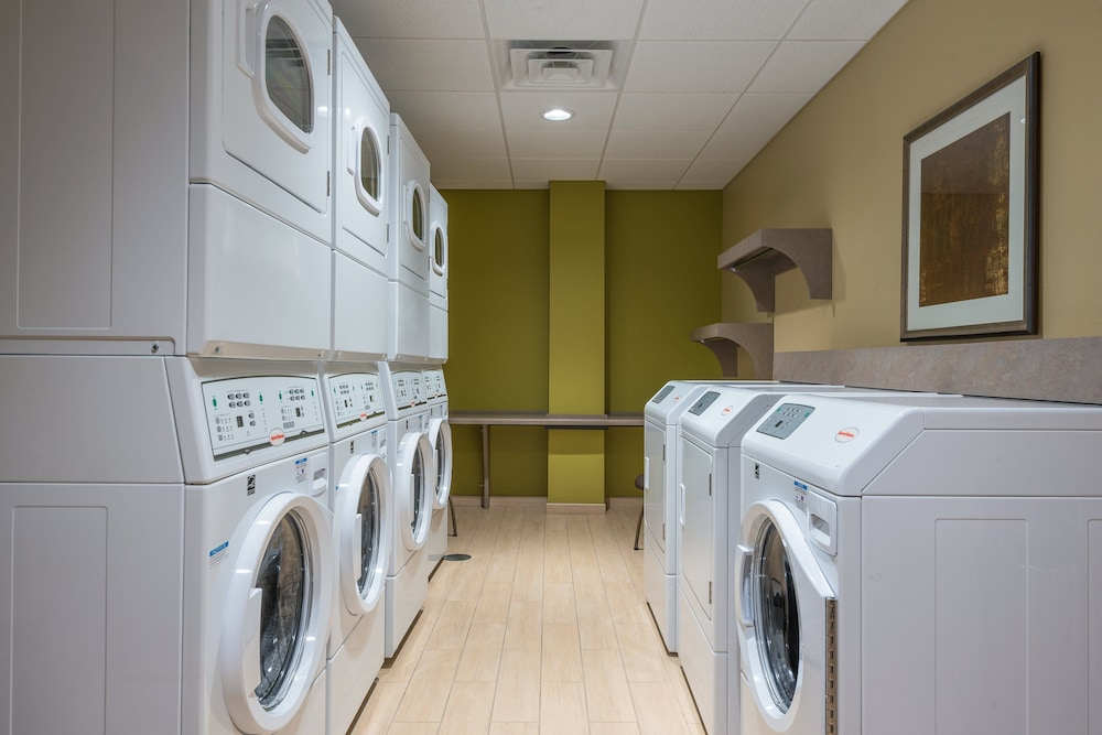 Laundry, Staybridge Suites Eau Claire - Altoona, an IHG Hotel