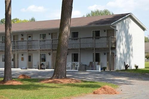 Great Place to stay Crisfield Budget Inn near Crisfield