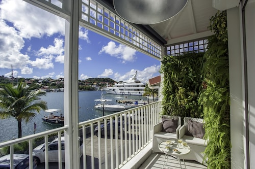 Harbour View Apartment 3 BR St Barth