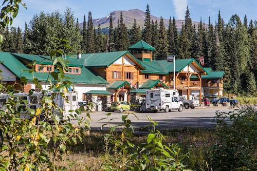 Great Place to stay Bell 2 Lodge near Bell II