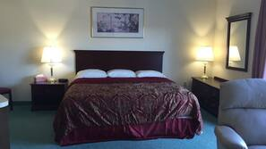 Tempur-Pedic beds, desk, free WiFi, bed sheets