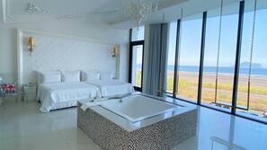 1 bedroom, down duvets, free minibar, blackout curtains