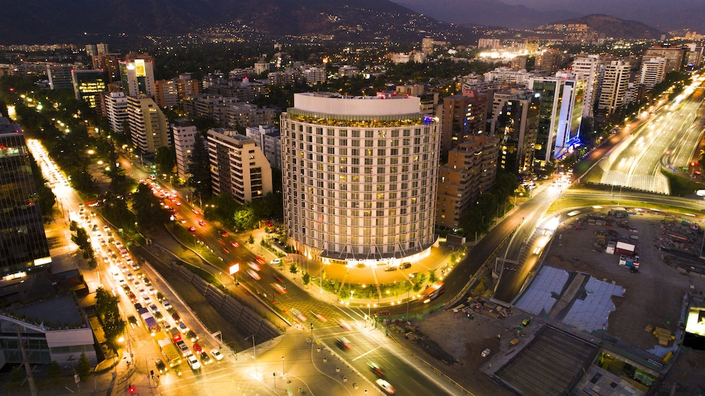 Front of Property - Evening/Night, DoubleTree by Hilton Santiago Kennedy