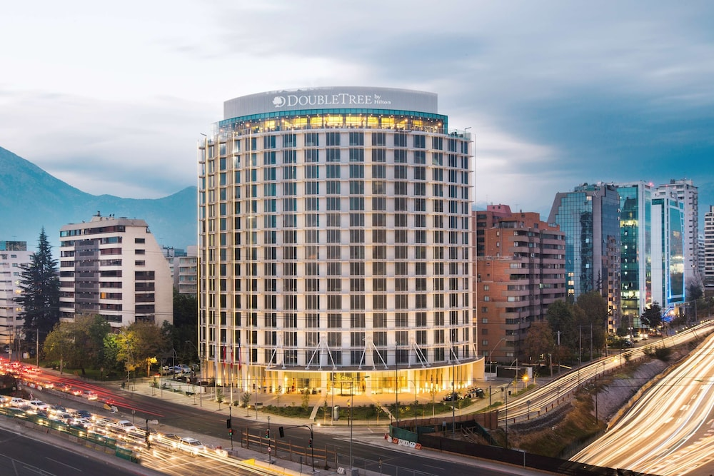 Featured Image, DoubleTree by Hilton Santiago Kennedy