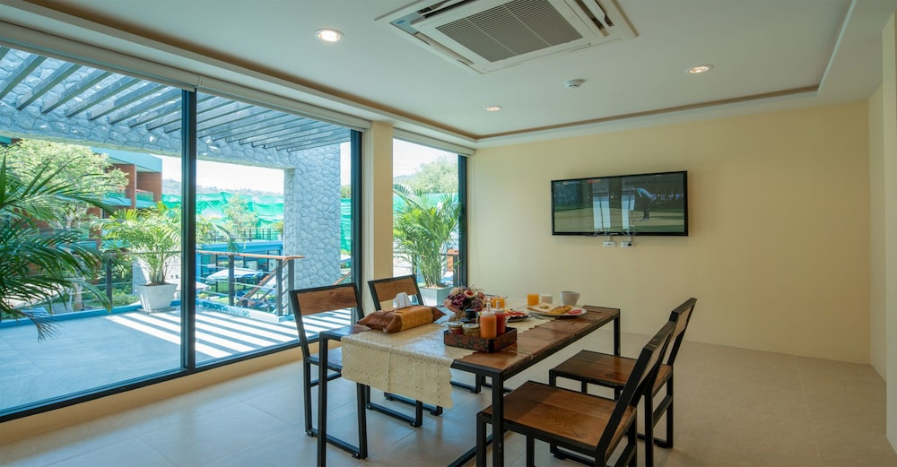 Breakfast Area, Peace Blue Naiharn Naturist Resort Phuket