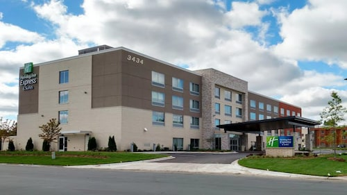 Holiday Inn Express & Suites Eagan - Minneapolis Area, an IHG Hotel