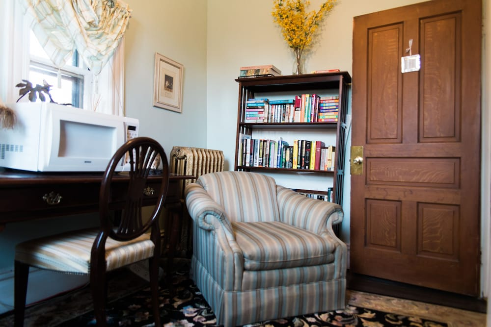 Library, Forget-me-not Bed and Breakfast