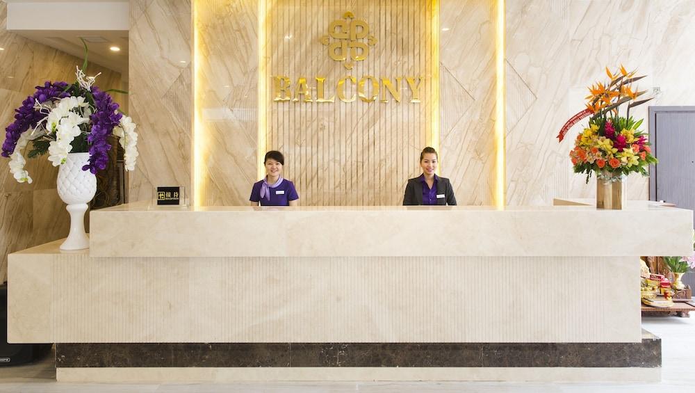Balcony nha trang hotel 2017 room prices deals reviews for Balcony nha trang hotel